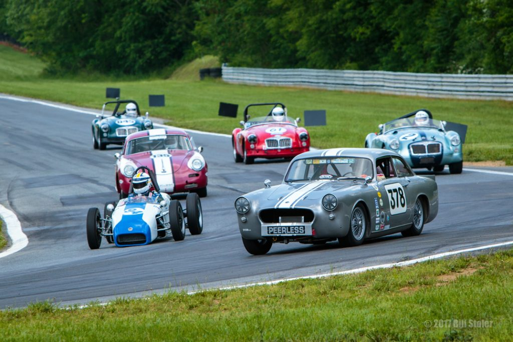 Jefferson 500 2017 - vintage racers into turn one.